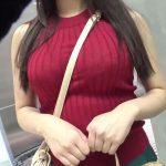 巨乳なのをわかっていてパイスラする女は結構なスケベwおっぱいが凄いニット娘のナンパ動画!